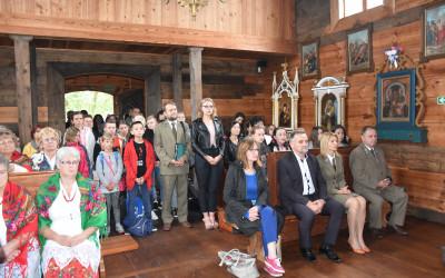 Msza. Św. w Kościele z Matczyna mieszczącym się na terenie Muzeum Wsi Lubelskiej w Lublinie
