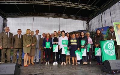 Nagrodzeni dyrektorzy i nauczyciele szkół