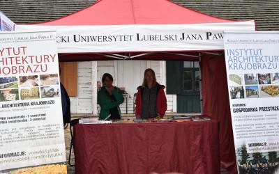 Stoisko Katolickiego Uniwersytetu Lubelskiego Jana Pawła II w Lublinie