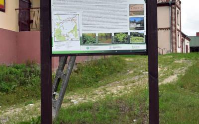 Tablica informacyjna na ścieżce w Żukowie Kolonii