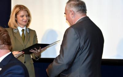 Wręczenie Honorowej Odznaki Przyjaciel Lubelskich Parków Krajobrazowych zastępcy Wójta Gminy Skierbieszów Stanisławowi Jędrusinie