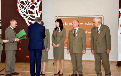 Wręczanie odznak Polskiego Towarzystwa Leśnego