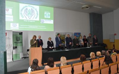 Przywitanie uczestników etapu okręgowego XXXIV OWE przez Dyrektora Zespołu Lubelskich Parków Krajobrazowych Panią Justynę Jędruch