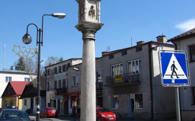 Kapliczka słupowa przy ul. Zamojskiej w Szczebrzeszynie (fot. K. Wojciechowski)