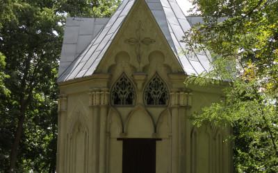 Neogotycka kapliczka z 1829r.