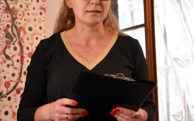 dr Grażuna Szymczak - dyrektor Ogrodu Botanicznego UMCS wita zebranych