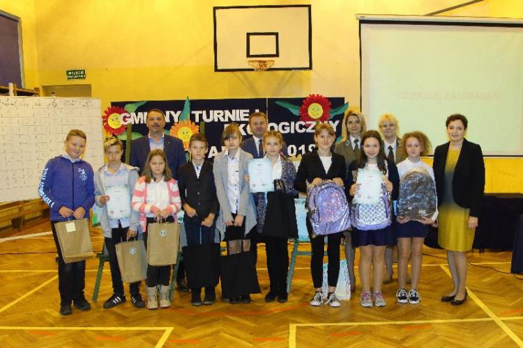Uczestnicy turnieju w kategorii klas młodszych.jpg