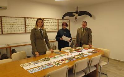 Członkowie Komisji podczas indywidualnej oceny wybranych prac konkursowych