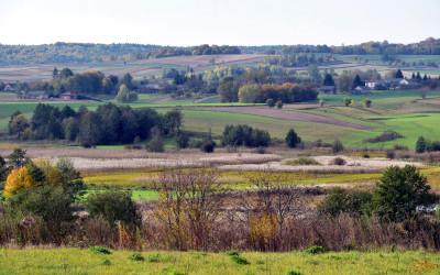 Dolina Wolicy - widok spod kościoła św. Kajetana w Orłowie Murowanym